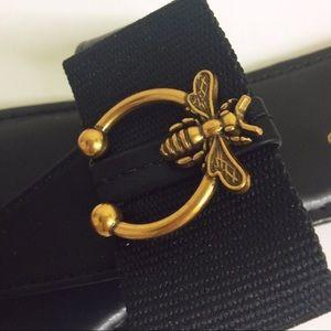 BAMBOO Vintage Bee & Bow Thong Sandal  Black.  10